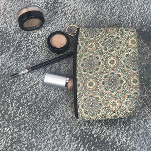 Handbags - 💥NEW💥Mandala Printed Cosmetic pouch